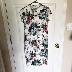 Dresses & Skirts - Floral print midi dress